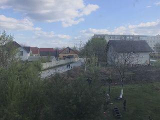 1 camera in Centru sat.Porumbeni, r.Criuleni var.gri in casa data in expluatare 285 euro/m2 !!