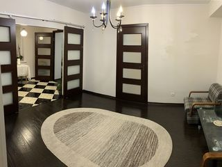 Apartament spatios, 3 camere cu euroreparatie, 47990 EU ! Urgent !