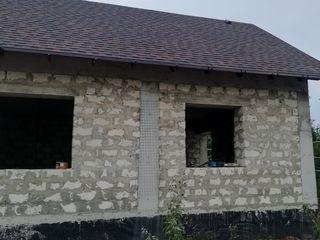 Constructiea caselor din fundament