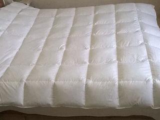 Заводские пуховые кассетные одеяла. Пух высшей категории- белых гусей.