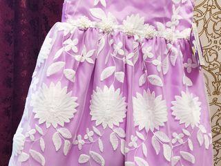 """Нарядное платье фирмы """"Blueberi boulevard"""", на девочку 3-х лет."""