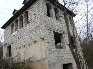 Vila - la 25 km Chisinau