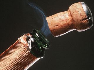 Для вина и крепких напитков - корковая пробка!