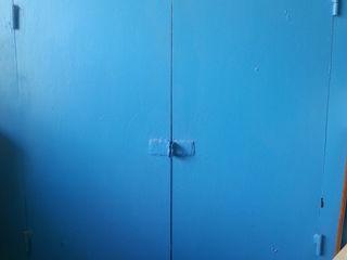 шкаф металлический, сейф