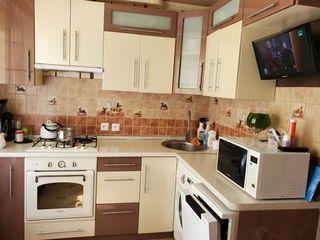 2-х комнатная квартира с евроремонтом, мебелью и техникой