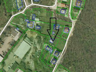 Продам участок 6 соток(+2 дополн.),на участке есть старый дом