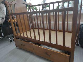 Pat pentru copii, lemn natural!!! 1900 lei.