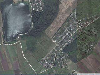 6-7 соток между Ратуш и Пересечина Приватизированный дачный участок(комуникации),под строительство!