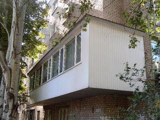 Балконы. Расширение балконов в старых домах, металлоконструкции, расширение, кладка, остекление окна