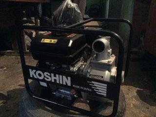 Новая японская мотопомпа в упаковке. Высокая производительность,надежность.