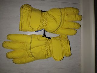 Фирменные перчатки на ребенка 8-10 лет=100 лей