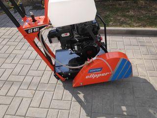 Vind tăetor asfalt.