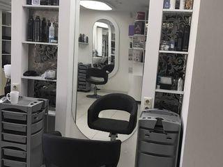 салон на рышкановке (центр) !!! сдаются рабочие места парикмахер; стилист ;в аренду 100 е !!!