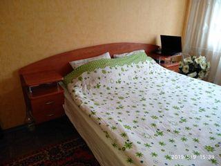 Botanica, apartament cu 2 odai separate.Pret 200 euro. str.Independentii linga Fidesco.