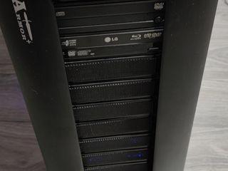 Core i7-5930K ozu 16gb Asus Rampage V Extreme noctua nh-d15 GeForce GTX 680 HDD Samsung 1000 gb
