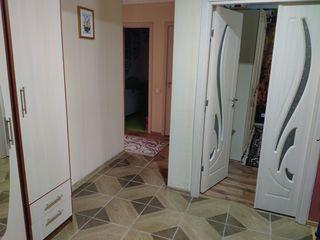 Продаётся 2-комнатная квартира по улице Октябрьская 58