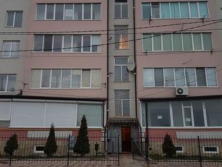 De vînzare apartament în bloc nou, centru.