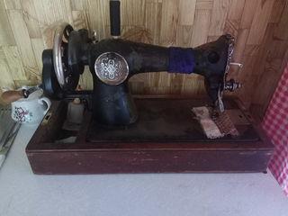 Продается ручная швейная машина