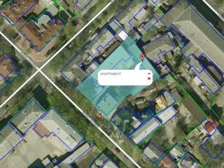 Продаеться квартира  в общем дворе .