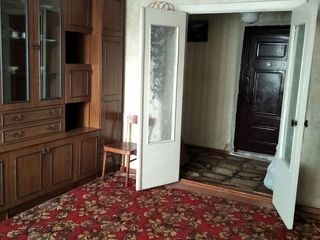 Vindem apartament cu 2 camere