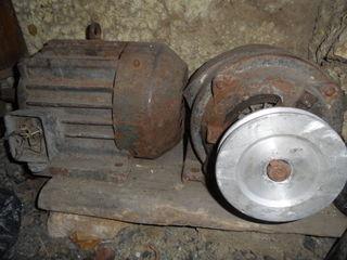Продаю электромоторы на 3 и 4 кВт/1410-1800 оборотов/мин, 220/380V, 11.6/6.7A, Cos f 0.83.