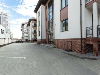 Bloc nou, 3 camere, 104 mp,euroreparatie, Durlesti 122000€