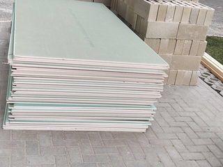 Ridicam materiale de constructie la etaje hamali
