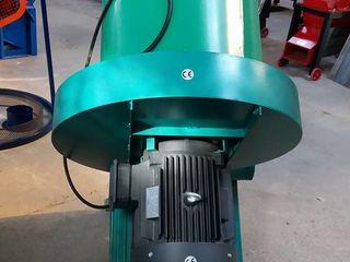Tocator de baloți - 1000 kg/oră toacă - posibil achitare în rate la 0%