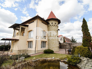 Casă de Lux, 400 mp, euroreparație, 4 nivele, Botanica, zonă liniștită, 2500 € !