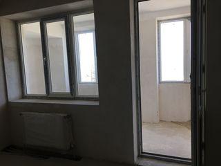 Продается 2-х комнатная квартира в белом вариант, отопление. Торг.