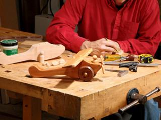 Confetionez jucării din lemn / Изготовляю деревянные игрушки