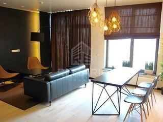 Crown Plaza Park, lux, apartament cu 2 odai, 1300 €