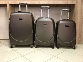Asortiment larg de valize, livrare in toata Moldova