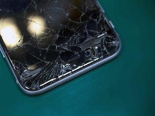 iPhone Разбил стекло - заменим его!