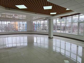 """Коммерческое помещение, 420 кв. м. Чокана / Spațiul comercial,420m.p.,C.C,""""Palmira"""", Ciocana"""