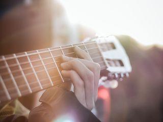 Transforma-ți visul în realitate acum! Înscriete la curs online de chitara cu rezultate din 10 ore!