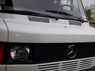 Mercedes 208