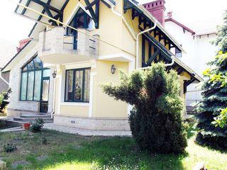 Casa, Chirie in centru-- 1000 euro