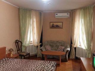 Уютные квартиры посуточно от 26 - 30евро / почасово 100 лей / ночь от 350 - 400 лей  центр ул.Измаил