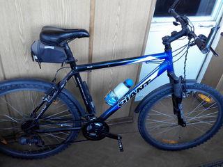 2 горных велосипеда Giant и Stevens