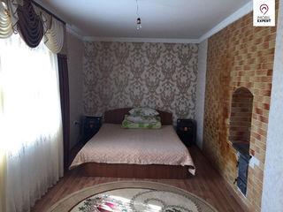 Casa cu 1 etaj si teren - 10 ari, or. Ialoveni