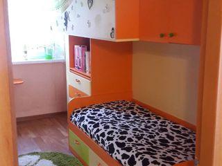 Продается 2 х комнатная квартира с евроремонтом + гараж контакты:на 2 фото