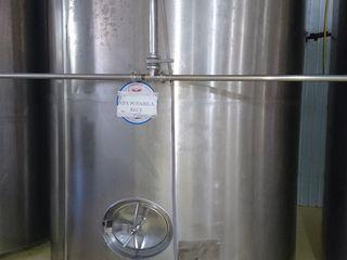 Продается охладительный танк 8000 литров (нержавейка, для молока, вина и т.д.)