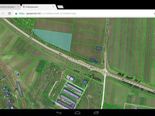 Vind 2 hectare la traseu,comunicatii alaturi latimia la traseu 190 metri.