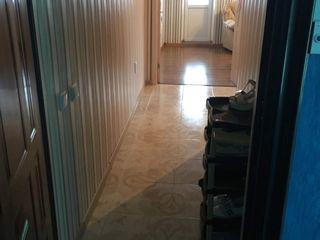 Apartament cu reparatie!!