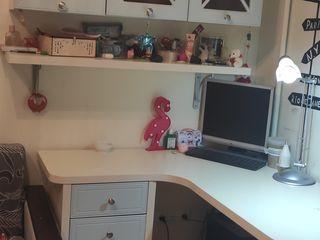 Стол+шкафчики лампа настольная в подарок