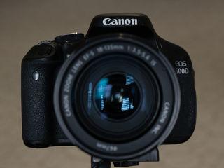 Продаю фотоаппарат Canon EOS 600D