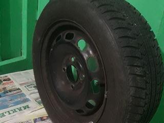 Продам зимние колеса+железные диски