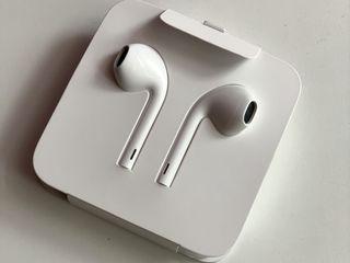 Căști Apple noi