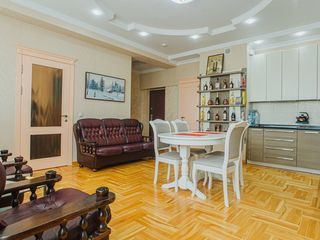 Apartament cu 1 dormitor si living în stil classic situat pe str. Lev Tolstoi!